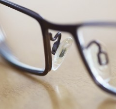 glasses-385533_1280