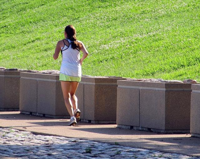 jogger-426670_640